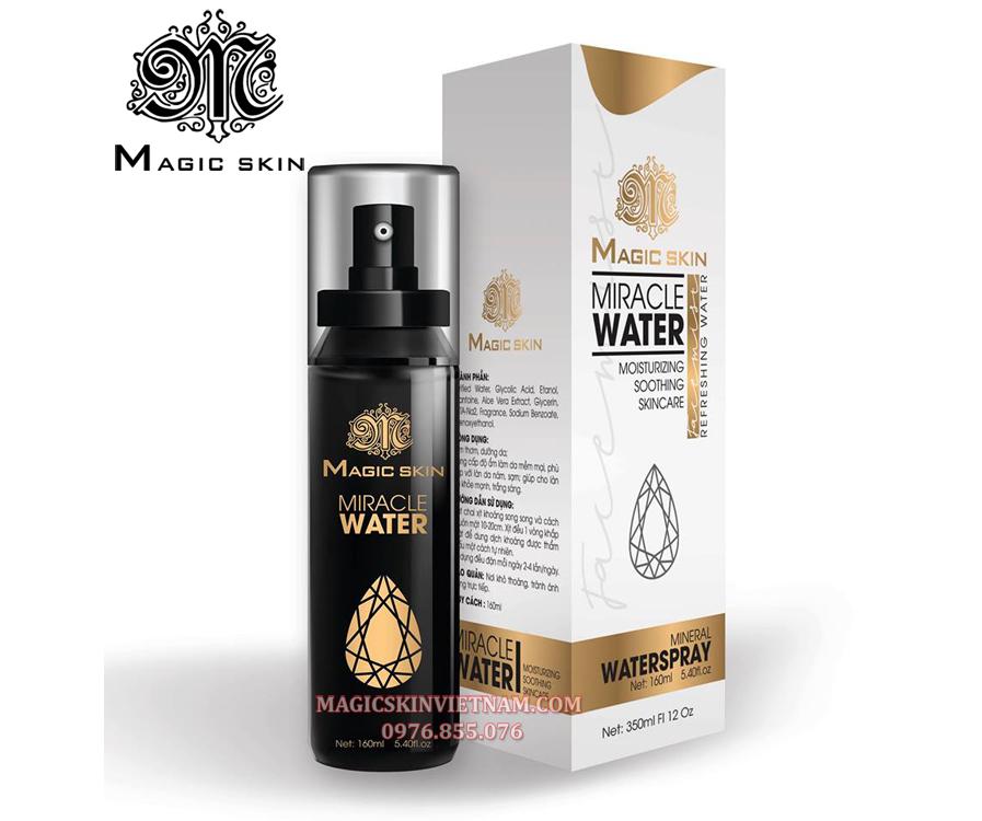 <em>Nước xịt trắng da Magic Skin Miracle Water</em>